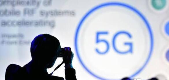 千里之外远程操控挖掘机不是梦 5G智慧时代到来